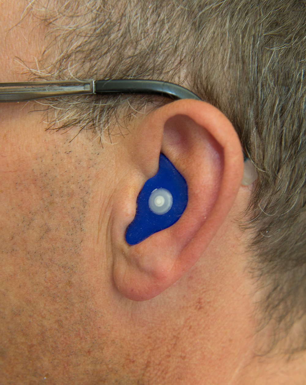 Specially adapted Noisebreakers overcome the classic uncomfortable mp3 earpiece problem!